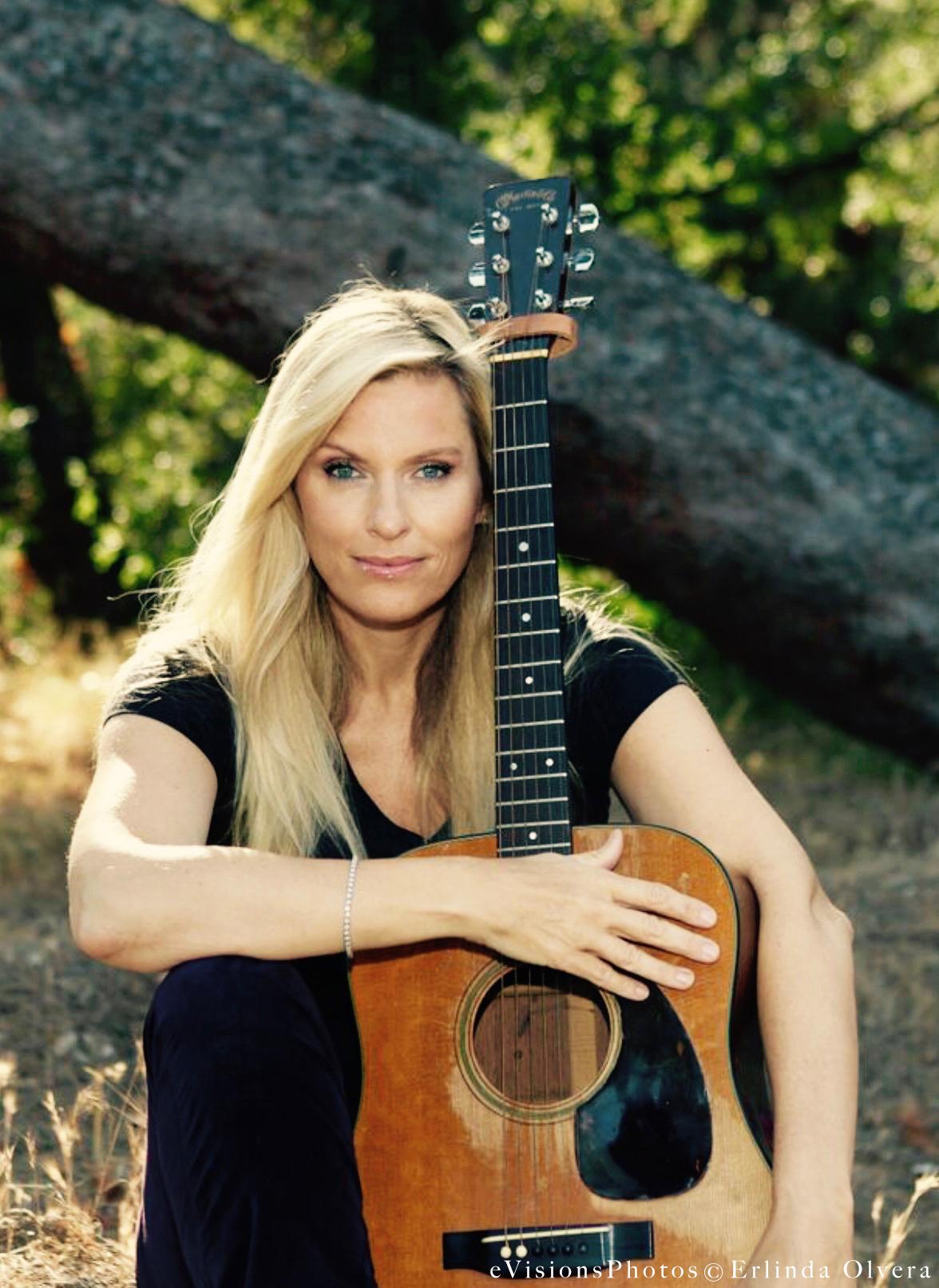 Brenda Guitar